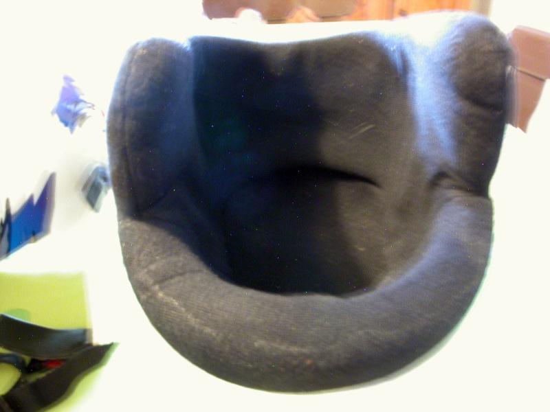 Un autre chantier, la réfection de l'intérieur d'un casque  Dscn0611