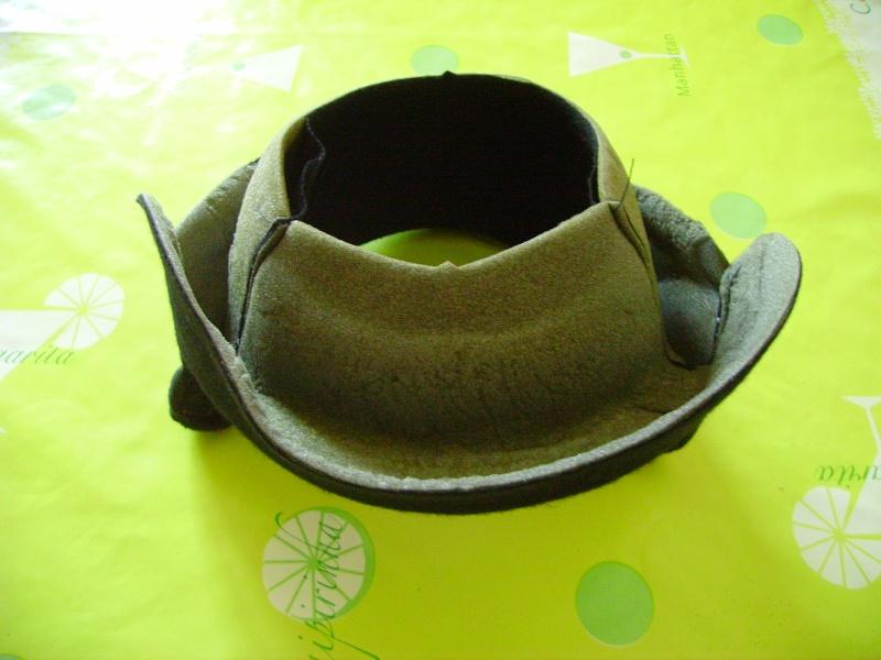 Un autre chantier, la réfection de l'intérieur d'un casque  Pict1610