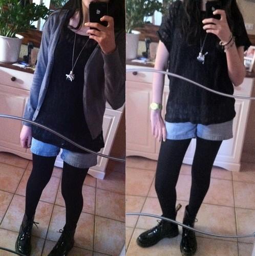 Bluue has cookies in her dressing ! :3 V110