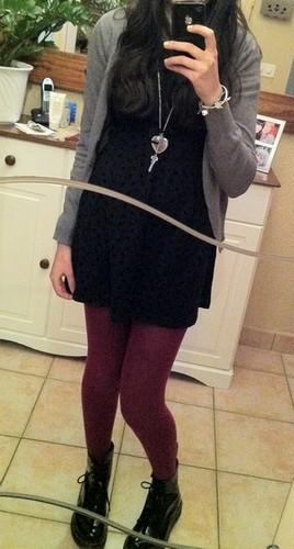 Bluue has cookies in her dressing ! :3 V510