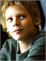Ces enfants acteurs qui nous impressionnent - Page 5 18898710