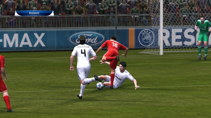 [FINALE] Real Madrid - Liverpool Pes21013