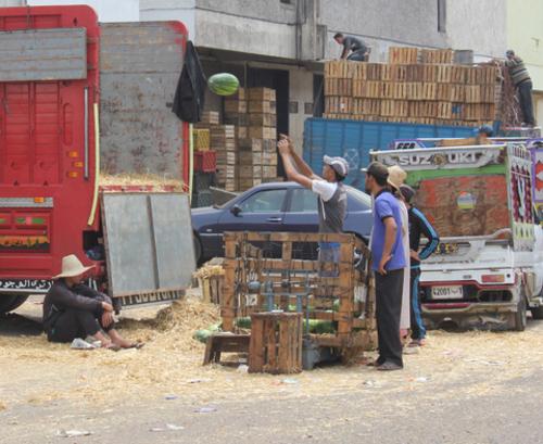 Marchés de gros des fruits et légumes Un marché en chambardement en attente de sauvetage  Marche14