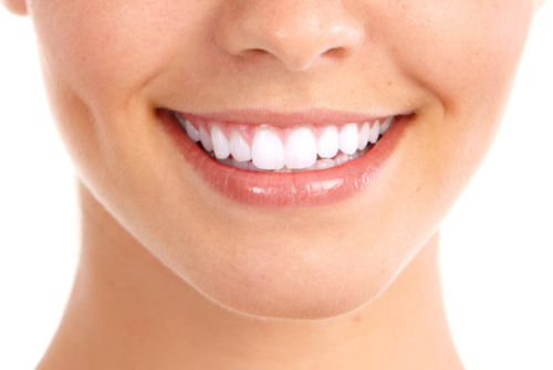 Préserver la blancheur d'un sourire en évitant les boissons énergisantes  Shutte13