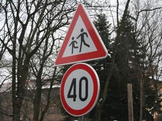Vozite li po dozvoljenim - propisanim ograničenjima ili prekoračite ograničenje? 1-prom10
