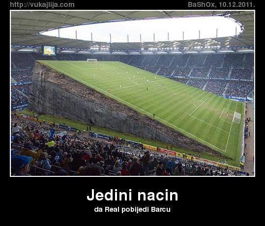 Smiješni trenuci u nogometu - slike i clipovi 40883610
