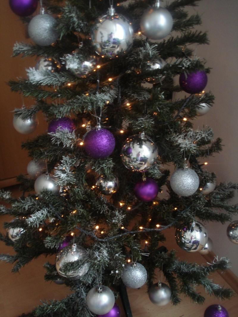 Slike vašeg božićnog drvca - Page 2 Dsc07432