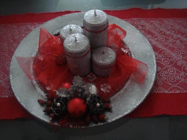 Slike vaših Božićnih ukrasa (advent, djed mrazovi itd) Dsc07435