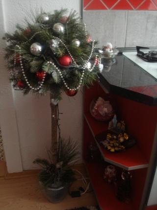 Slike vaših Božićnih ukrasa (advent, djed mrazovi itd) Dsc07440