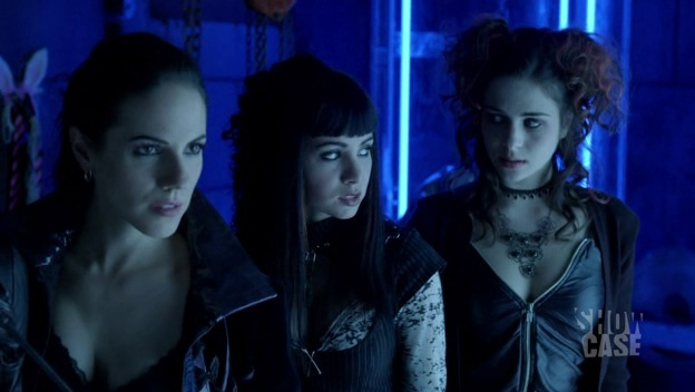 Lost Girl (2010– ) Lost-g10