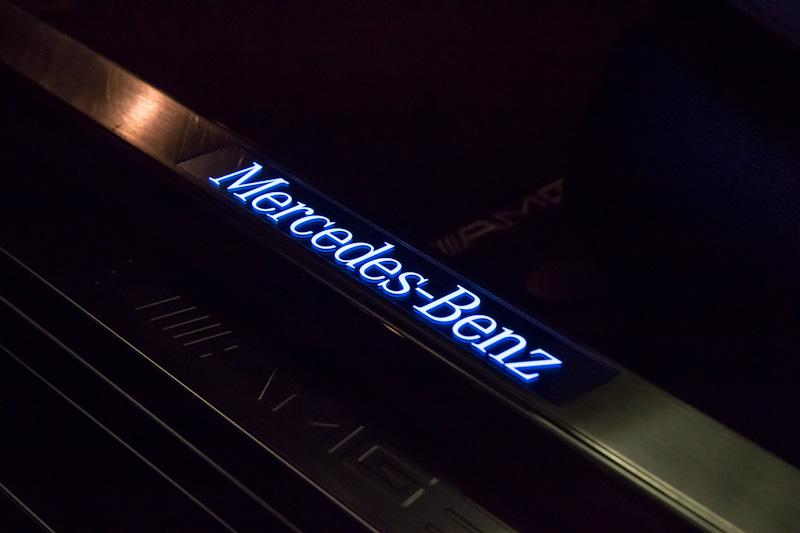Rencontre au Mercedes-Benz Center de Rueil-Malmaison le 11 mars 2012. Img_8910