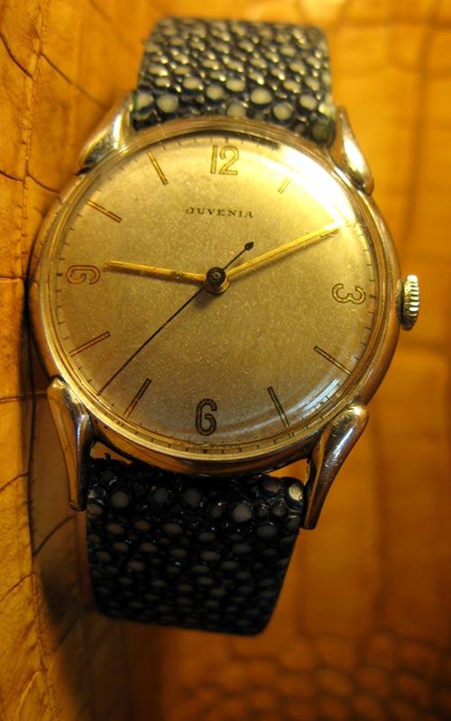 Juvenia une marque dans le vintage dont on parle peu et pourtant... 16795410