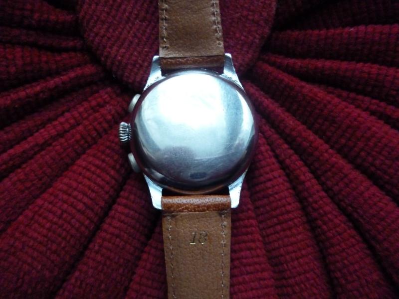 Berthoud Chronographe allias Universal Genève, calibre 385, voici mon cadeau de Noël! Bertho12