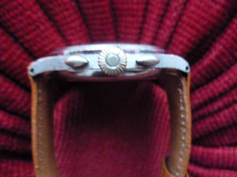 Berthoud Chronographe allias Universal Genève, calibre 385, voici mon cadeau de Noël! Bertho14