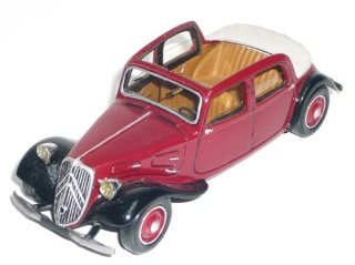 Citroën : les Traction Avant Citroën découvrables A.E.A.T. 11_ber12