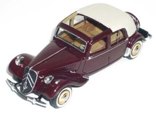 Citroën : les Traction Avant Citroën découvrables A.E.A.T. 15-6_d11