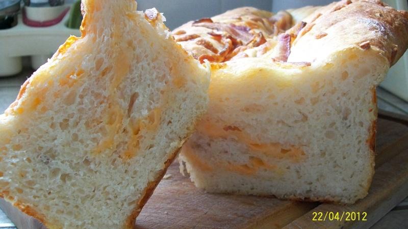 Pain aux oignons,fromage et bacon en M.A.P. Pain_010