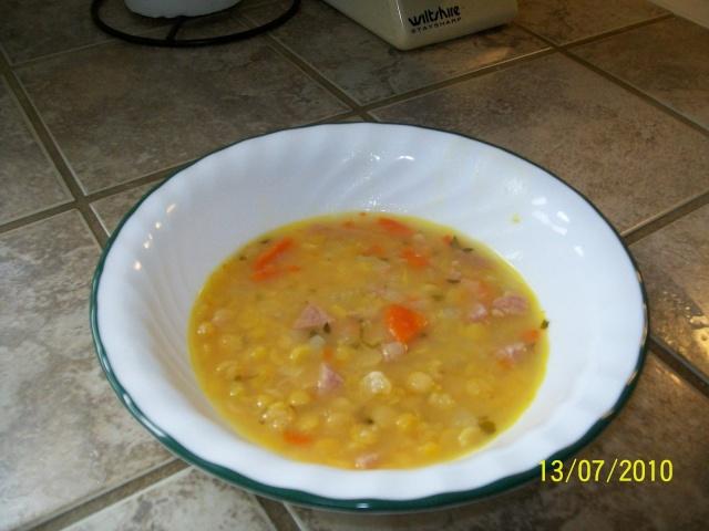 Soupe aux pois jaunes cassés et au jambon Soupe10