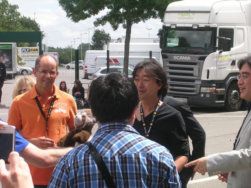 Japan expo 2012 ... attendez avant de jetter la pierre ! Dscn5310