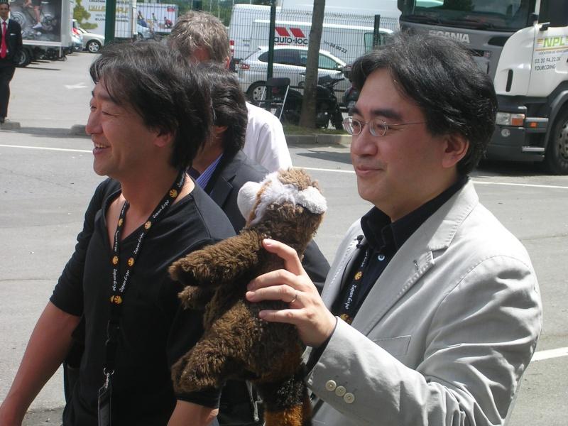 Japan expo 2012 ... attendez avant de jetter la pierre ! Dscn5311