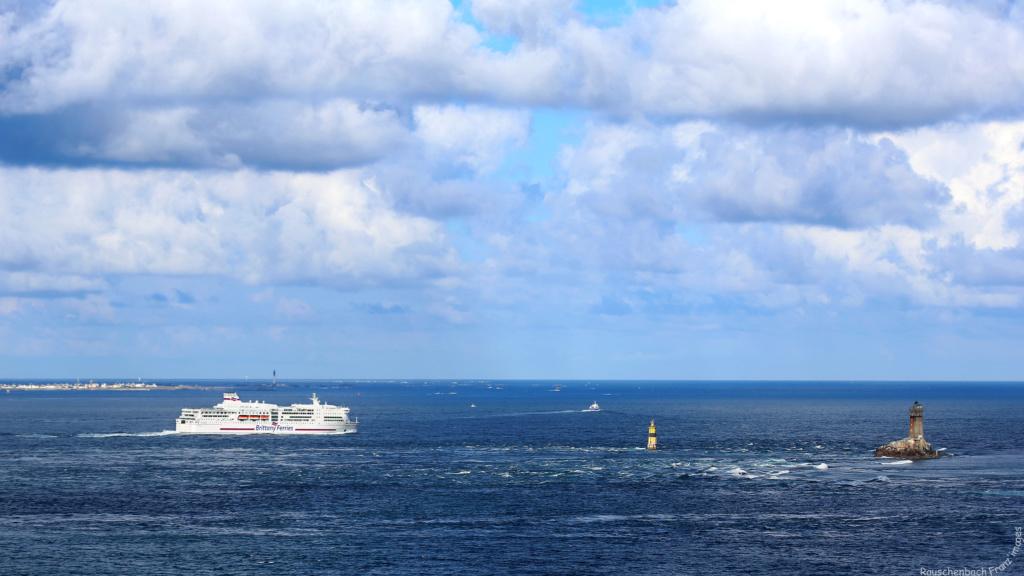 Navires de dessertes ou à passagers, bretons - Page 5 1v4b0612
