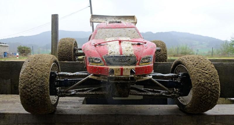 Réglages chassis pour piste TT lente avec nombreux virages - Page 6 P1000629