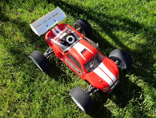 [gsxzera] Revo Picco 26 Max JL Red  - Page 22 P1000935