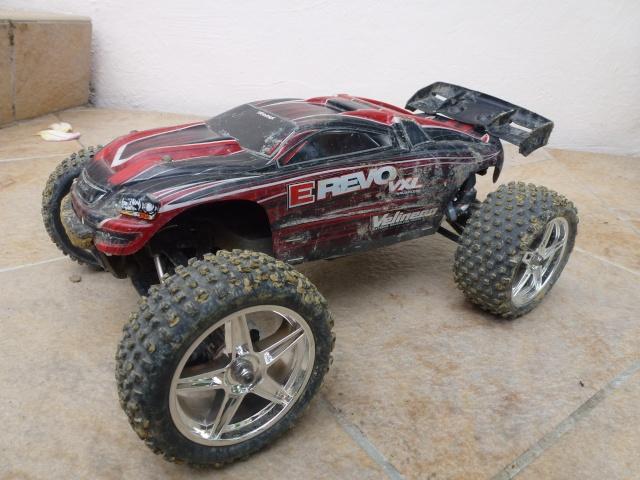 Réglages chassis pour piste TT lente avec nombreux virages - Page 8 P1010052