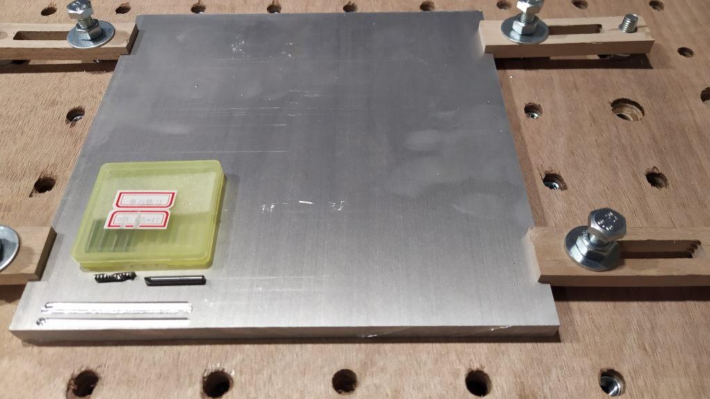 CNC : fraise cassée dans de l'alu 6061 Alu1_110