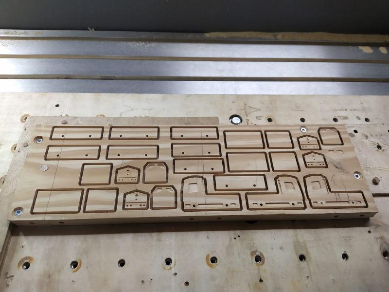 Loco « électrique » en 3D pour le train en bois BRIO - Page 2 Img_2054