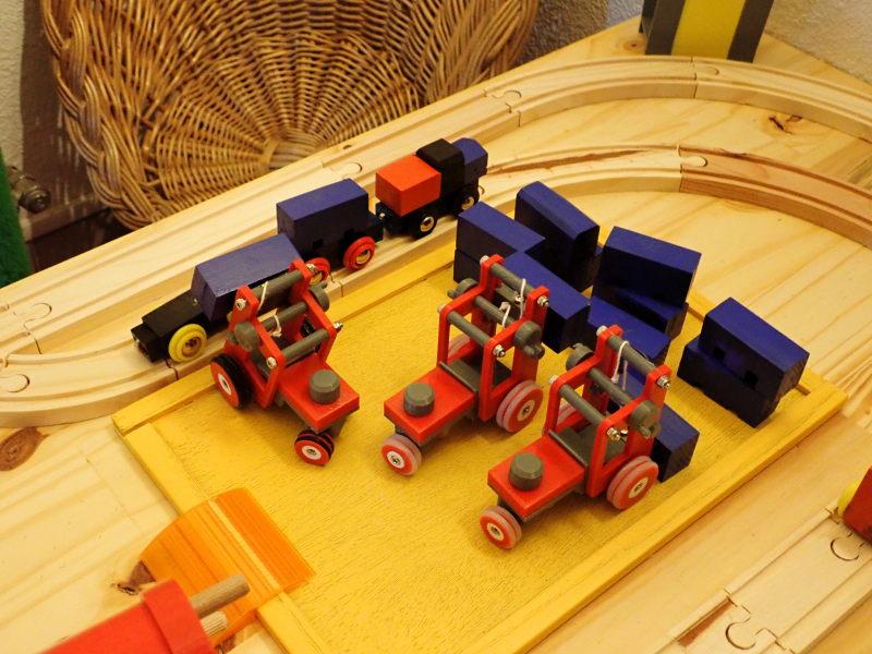 Loco « électrique » en 3D pour le train en bois BRIO - Page 2 Pc012015