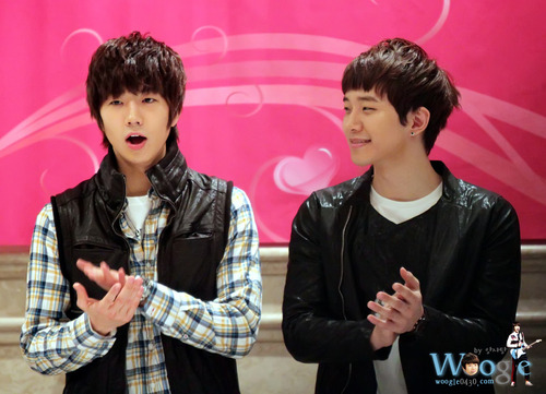 WooHo [Wooyoung x Junho] Xgl6jm10