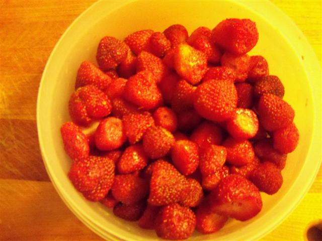 Vinegar and strawberries....it works! 06-19-12