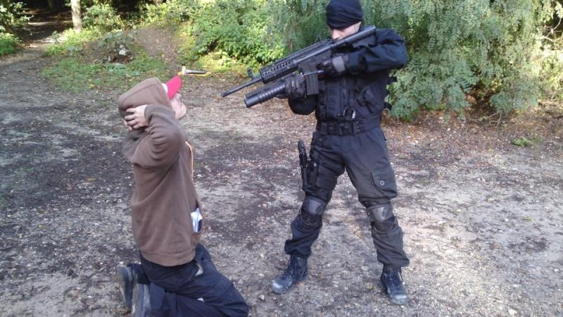 Tenue Hunk et Swat 00410