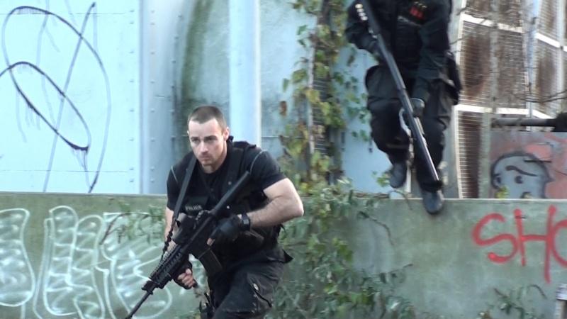 Tenue Hunk et Swat 00710