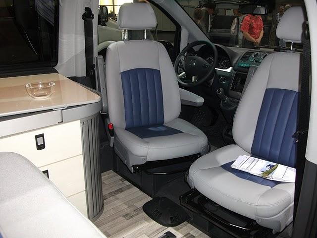 série spéciale pour les 60 ans du campingbus Dscf0912