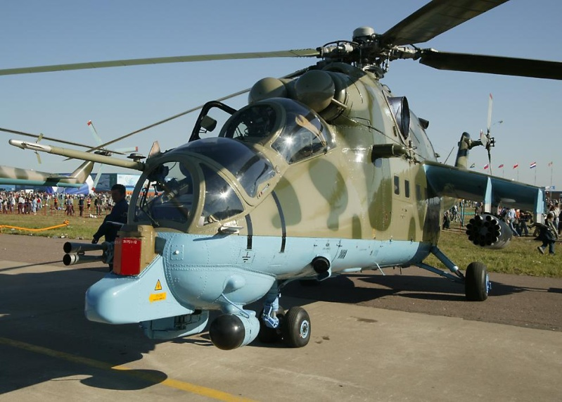 Military Helicopters: Pictures and Videos Mi24st10