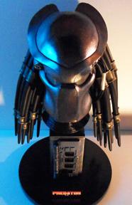 Buste Predator 1013