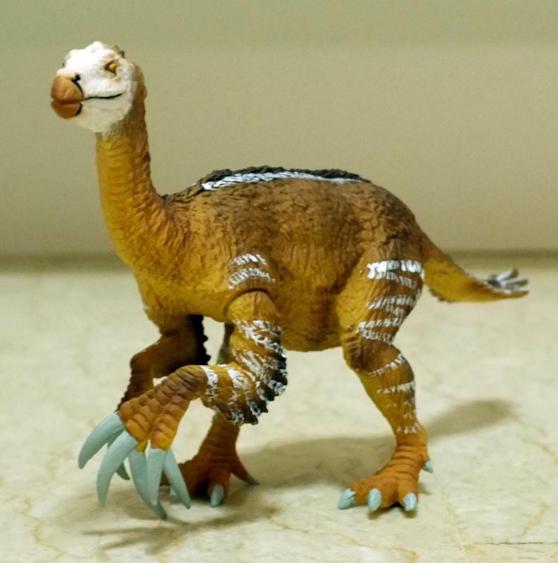Therizinosaurus arrived Dscf0013