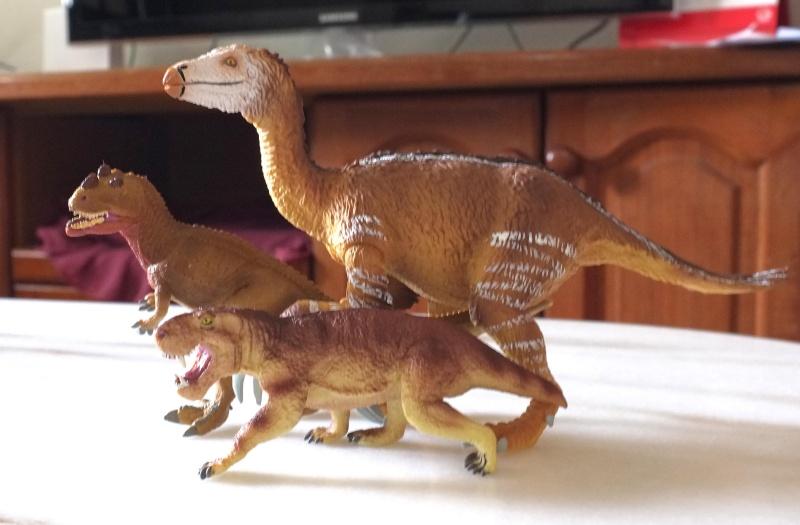 Therizinosaurus arrived Dscf0017