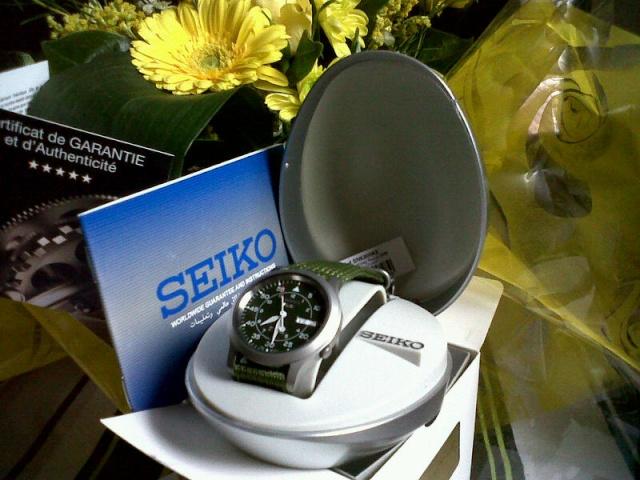 constant - [Sujet unique : SITES Internet de ventes en ligne de montres, accessoires...] - Page 18 Img00010