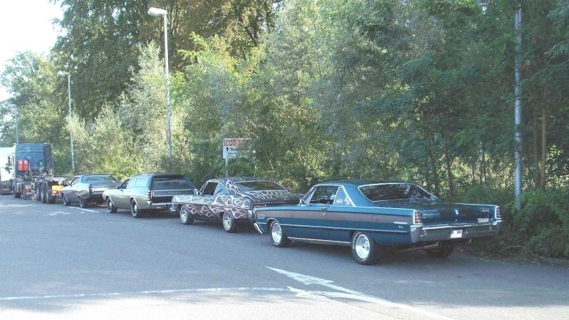 Autoträume auf dem Baumarktparkplatz. 229