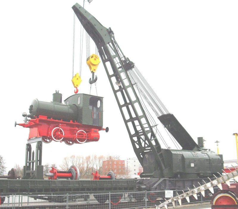 Ein alter Eisenbahndampfkran. 2_web28