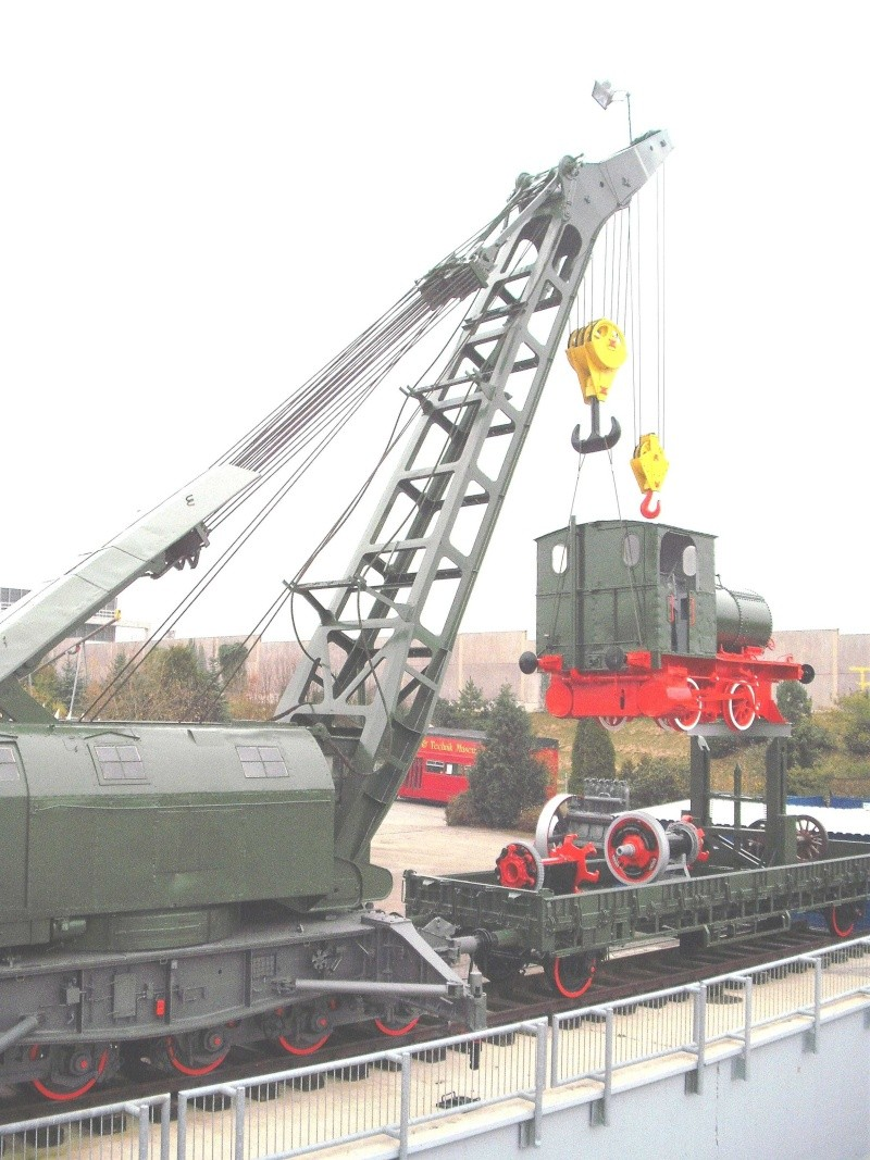 Ein alter Eisenbahndampfkran. 6_web27
