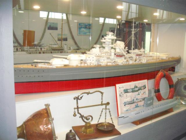 """Restauration eines 1:67er Modells der """"Bismarck"""". Dscf8410"""