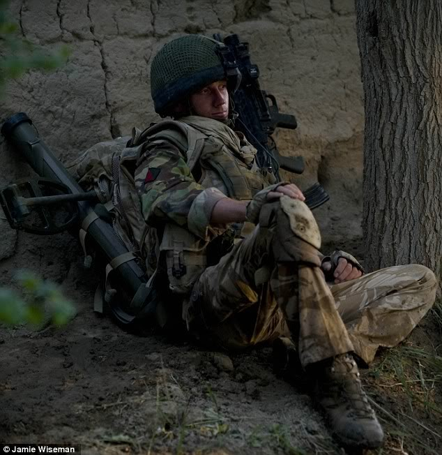 Some Images of Soldiers... Articl10