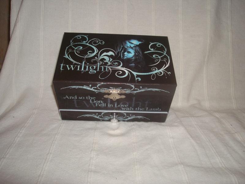 [Saga Twilight] Votre collection en photos - Page 14 Dsc05510