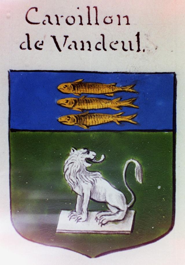 Blasons de la famille CAROILLON de VANDEUL Caroil10