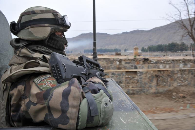 Guerre en afghanistan - Page 2 H-4-2510