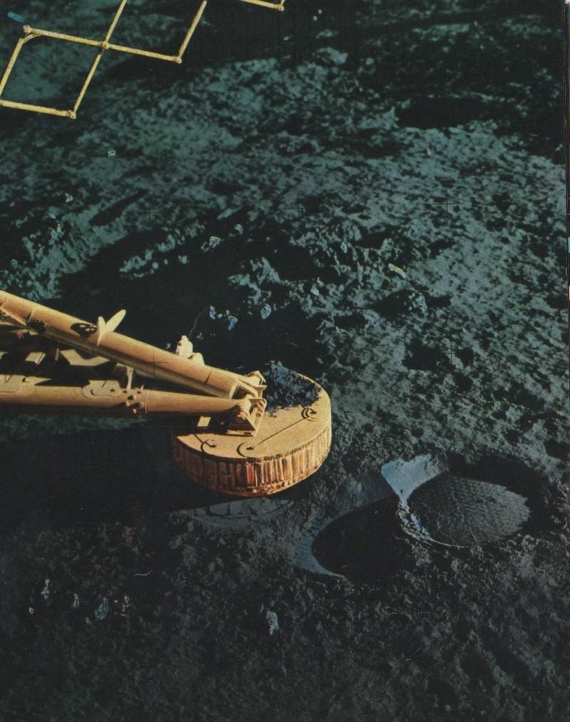Hergé et la conquête spatiale Apo12s11